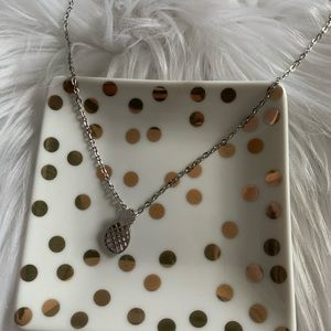 Boutique Jewelry - NEW Silver tone pineapple necklace